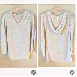 Anthropologie Moth v-neck hooded tunic sweater 537